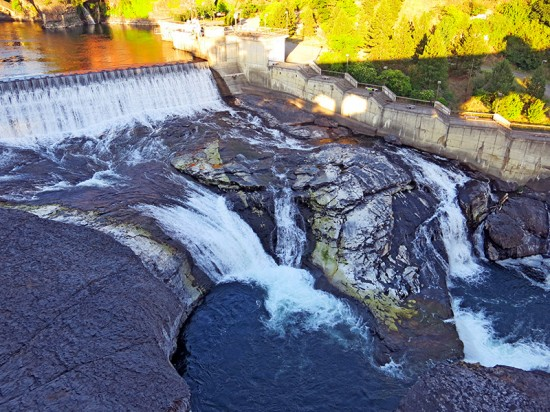 Spokane Falls by Jets Like Taxis