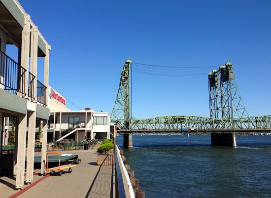 Red Lion Hotel at the Quay in Vancouver, Washington by Jets Like Taxis