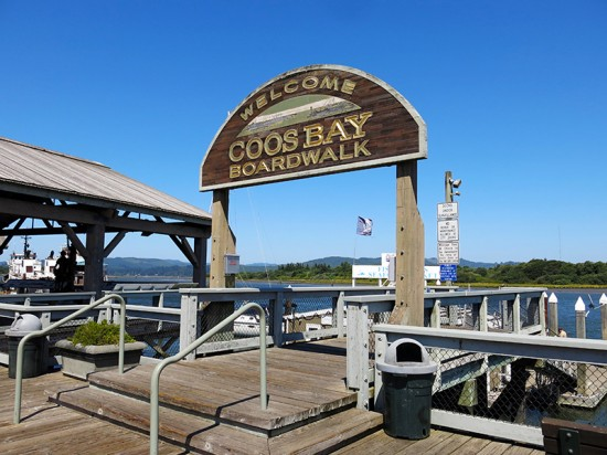 Coos Bay, Oregon by Jets Like Taxis