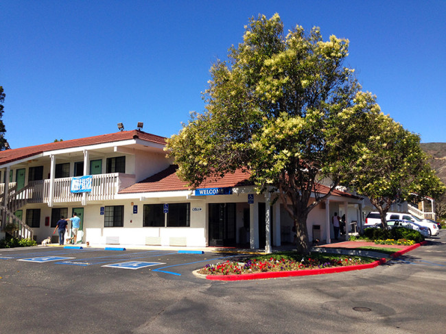 Motel 6 in San Luis Obispo, CA by Jets Like Taxis
