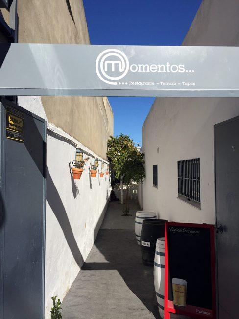 Momentos Restaurant in Castilleja de Guzmán, Spain by Jets Like Taxis