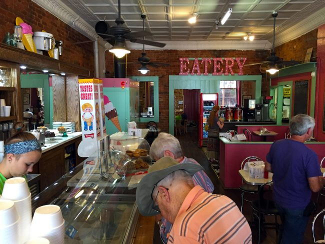 JJ's Eatery & Ice Cream in Jonesborough, TN by Jets Like Taxis