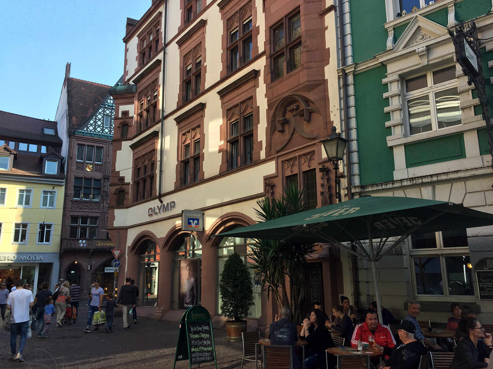 Schlappen Bar in Freiburg, Germany by Jets Like Taxis