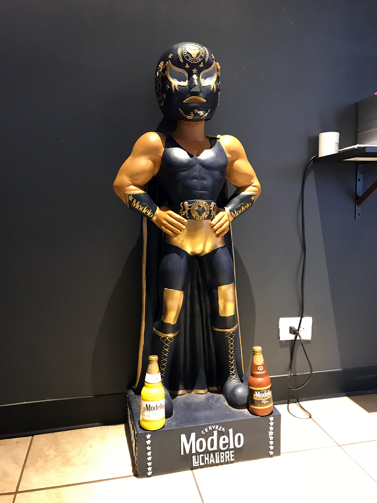 Modelo Luchador by Jets Like Taxis
